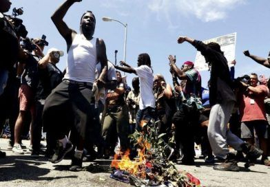 """Members Of  A """"Black Power"""" Group And Maxine Waters Supporters Burn American Flag Outside Her Office (Video)"""